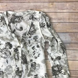Halogen Patterned Long sleeve Button Up Size Small